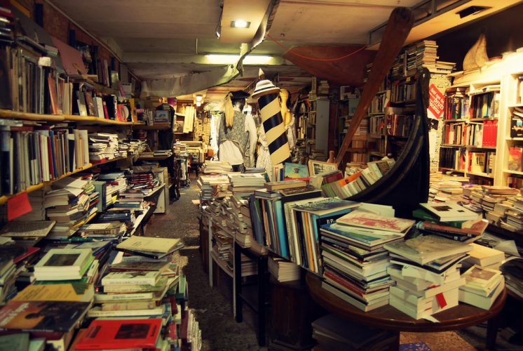 Libreria-Acqua-Alta_Silvia-Sala_CC-BY-NC-ND-2.0-2